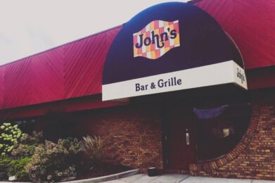 John's Bar and Grille